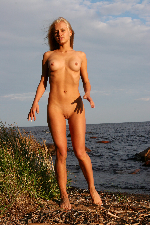 amateur boy nude beach