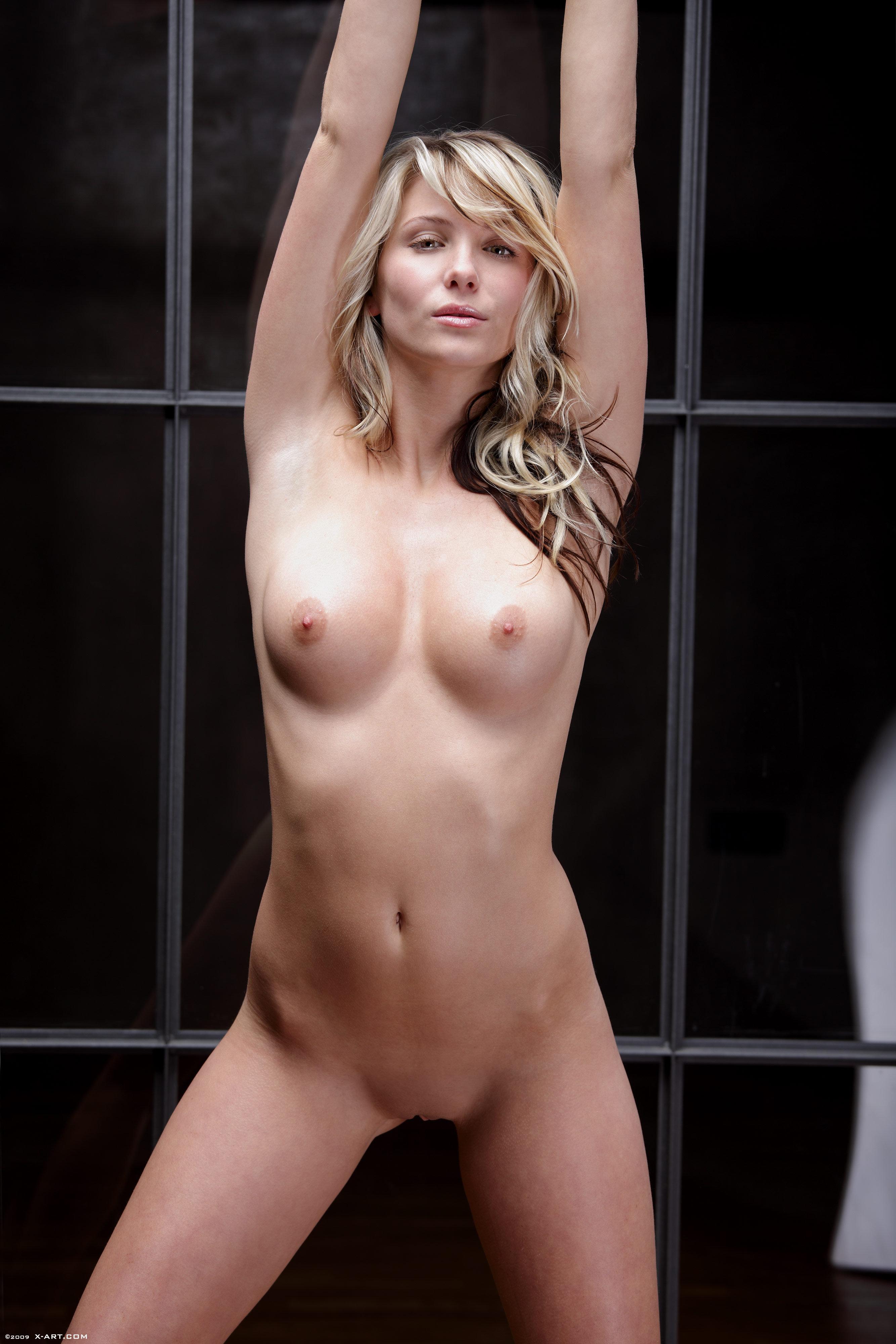 Jennifer nettles bikini photos