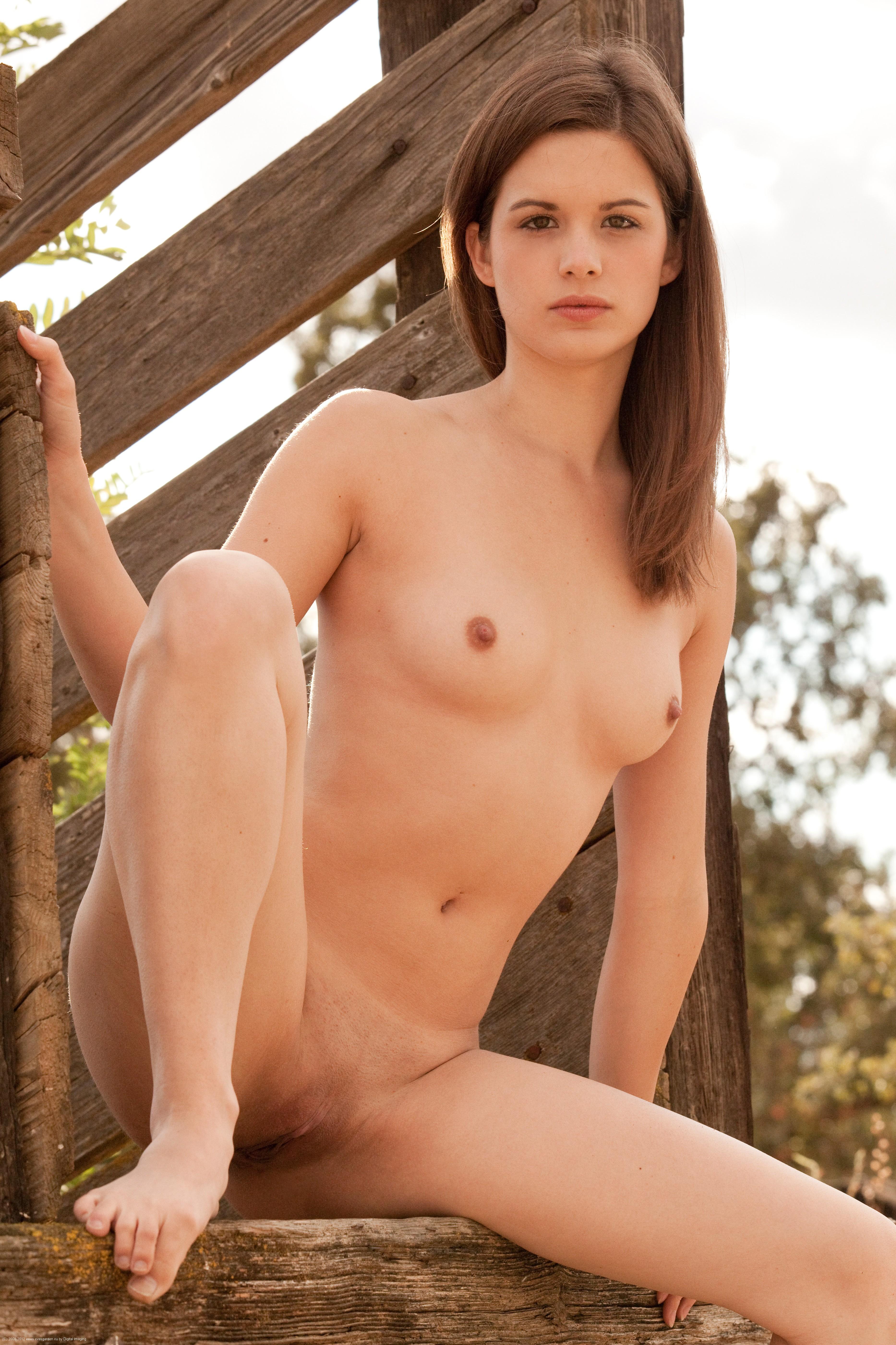 turboimagehost.com imagesize:1440x960piss porn cows ramp klarys mulligan 5600 x 3733 059