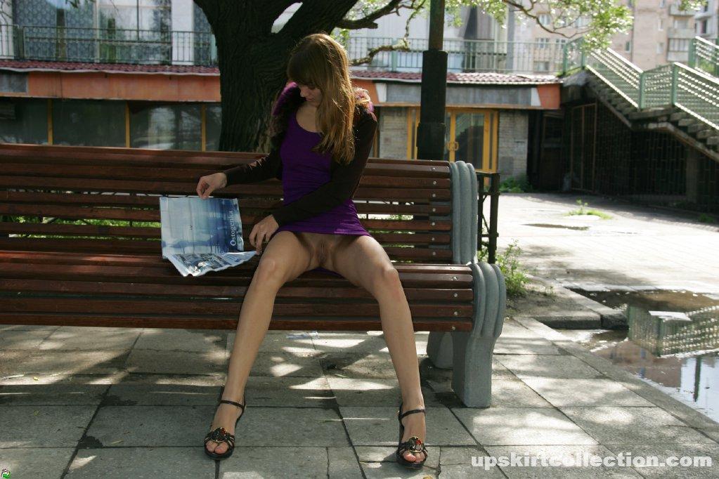 фото под юбками в общественных местах