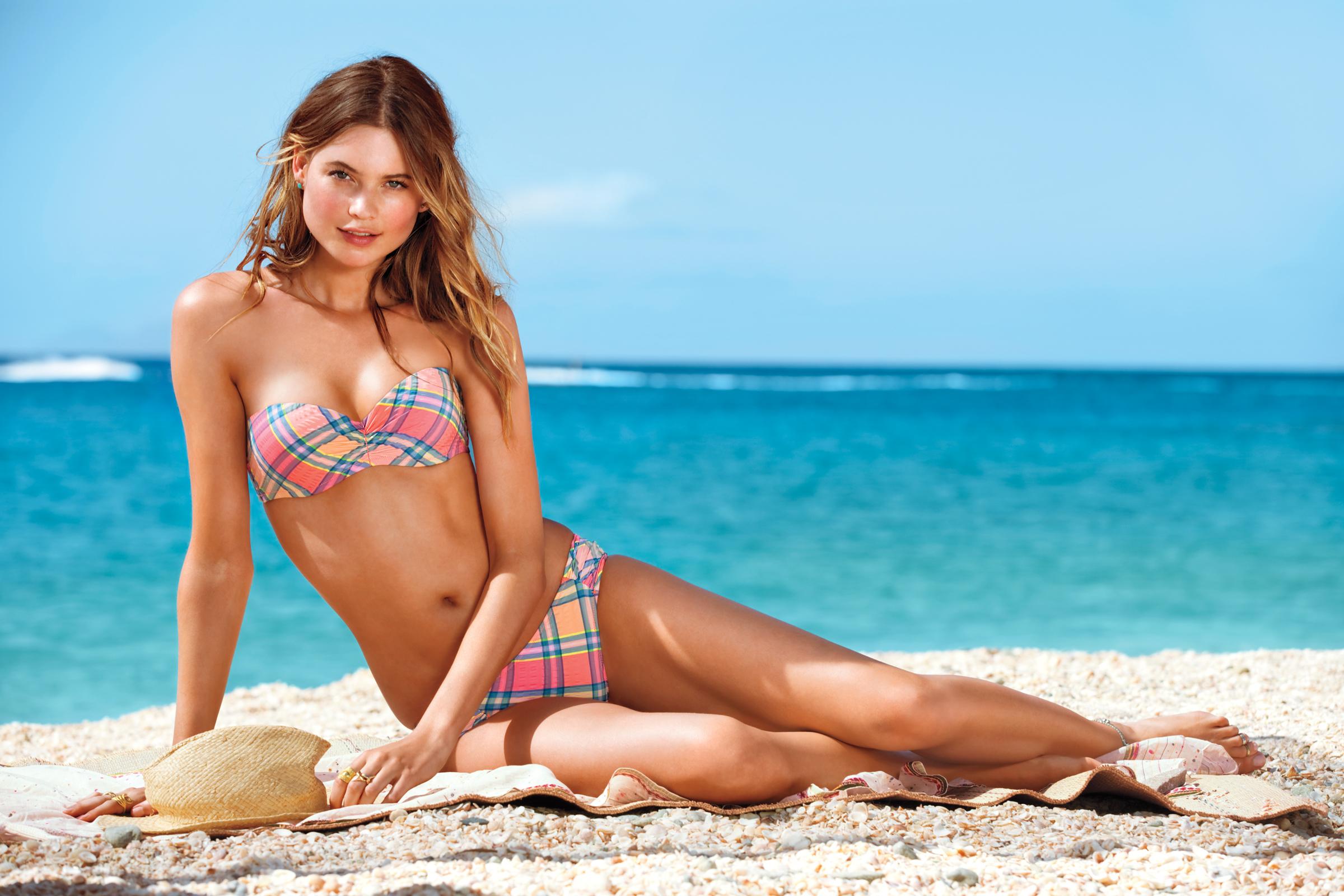 пляж и девушки фото-тн1