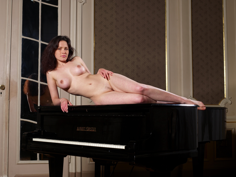 Украинское порно с пианино