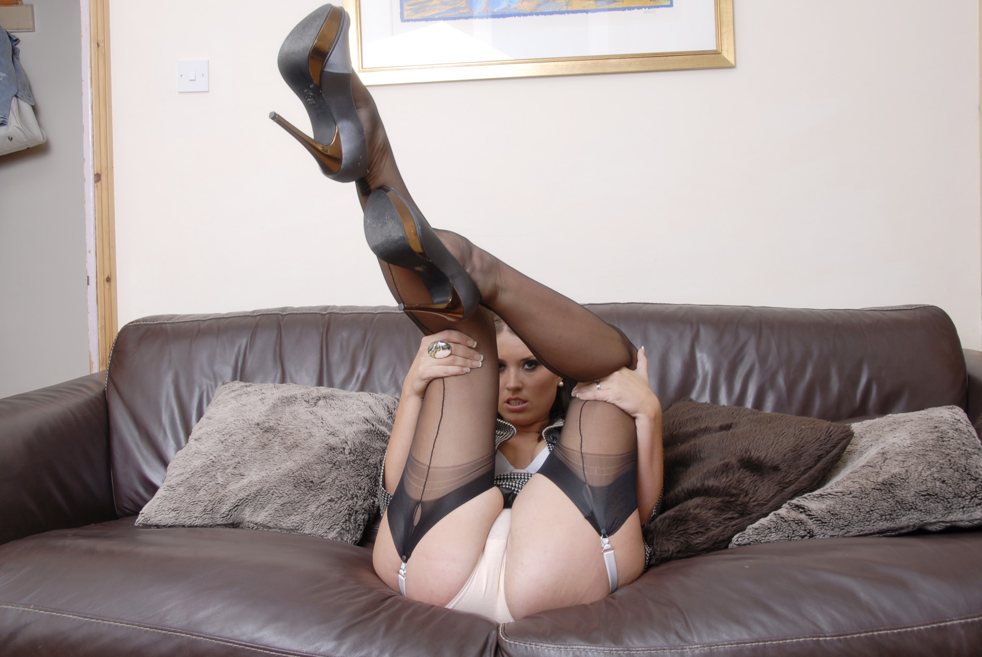 Engines Free Pantyhose Fetish Pictures 21