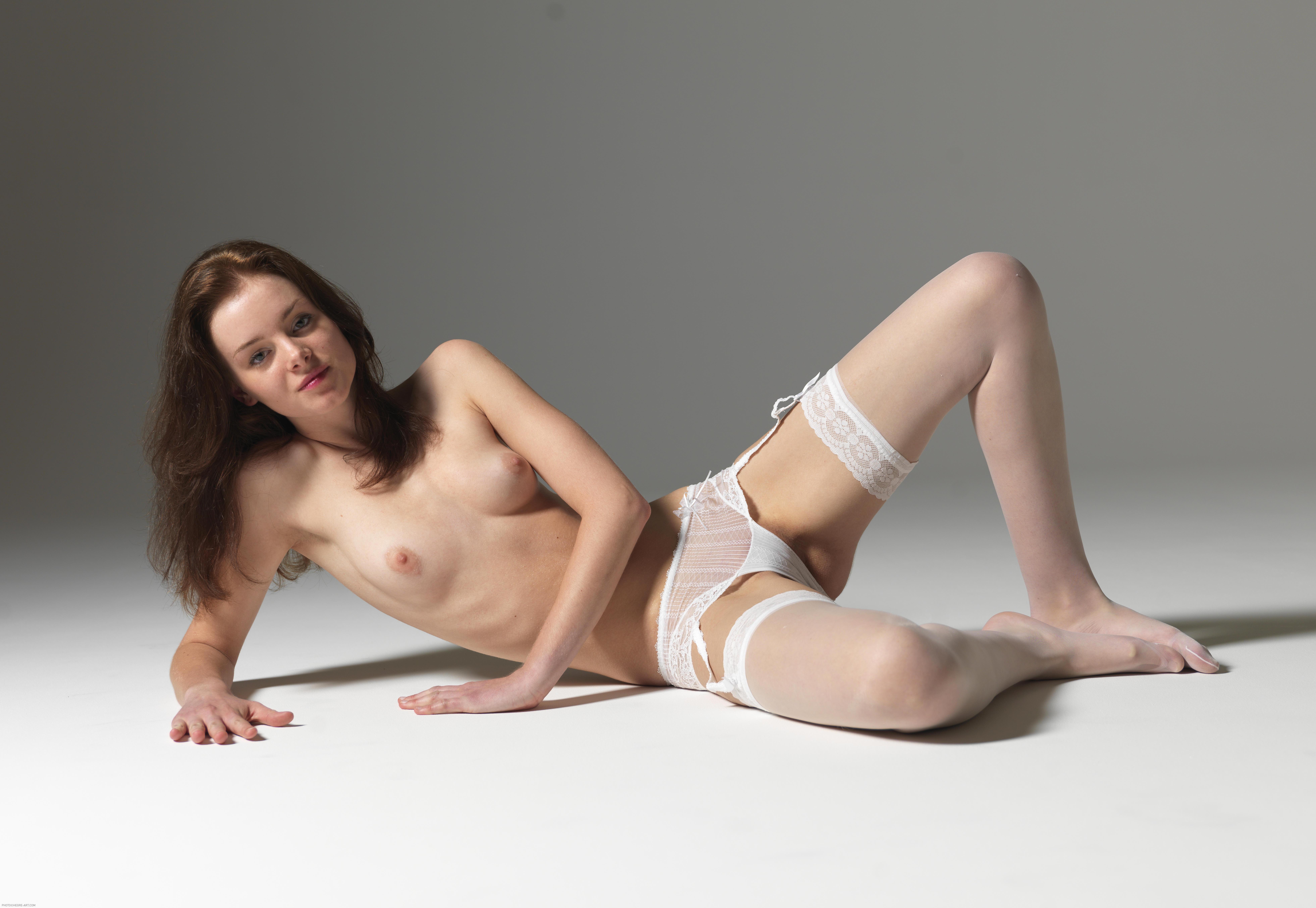 Ally White Innocence 2010 04 03 008 xxxxl