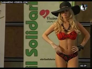 Argentina Celebrity Alejandra Maglietti in sexy bikini