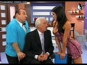 Pamela David haciendose la puta