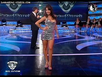 Andrea Estevez minifalda en lo de Tinelli